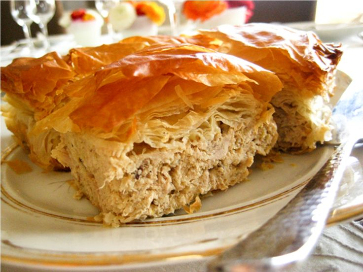 Chicken pie by Argiro Barbarigou ~ Πεντανόστιμη Γιαννιώτικη κοτόπιτα σε τραγανή σφολιάτα από την Αργυρώ Μπαρμπαρίγου