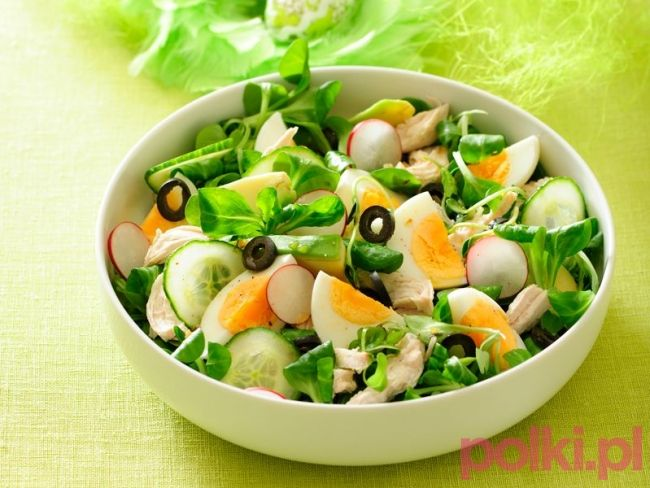 Sałatka z kurczakiem i jajkami - przepis składniki i przygotowanie -Przepisy kulinarne - przepis