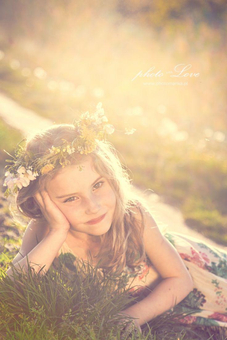 Dziewczynka w wianku