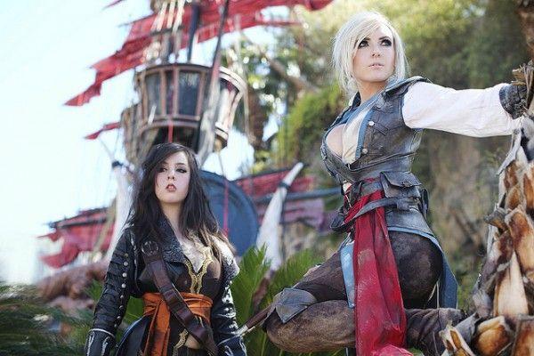 Femme Blackbeard and Edward Kenway Assassin's Creed 4 Cosplay