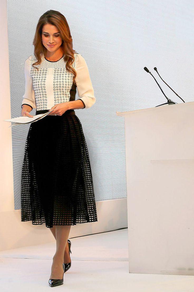 Rania de Jordania, la única reina que me hace gracia.