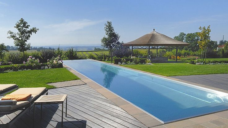 Prive zwembad in de tuin van edelstaal via Polytherm Nederland