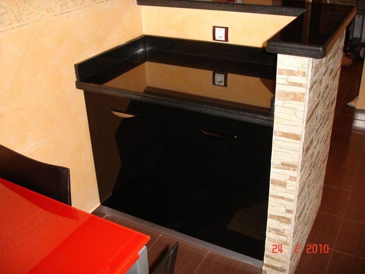 Usi corp de bucatarie modular compartimentat cu blat de granit cu balamale silentioase Blum