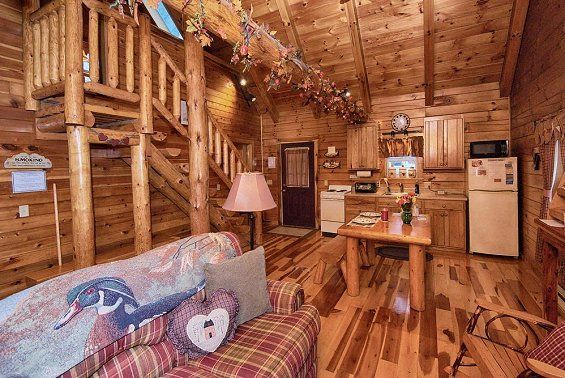Hocking Hills Ohio Cabin Vacation Rental With King Size Log Bed Hocking Hills Ohio Cabins Family Vacation Cabin Cabin Vacation
