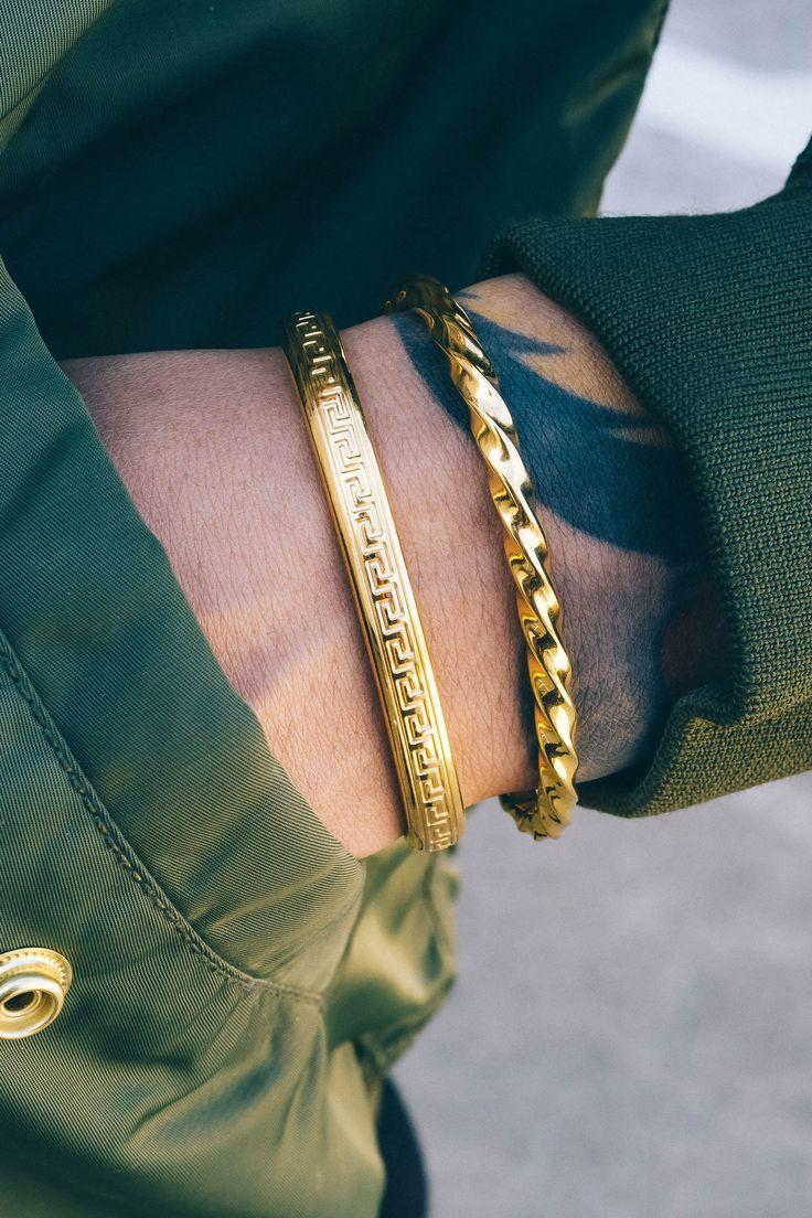 *mister Omega Cuff Bracelet  Gold