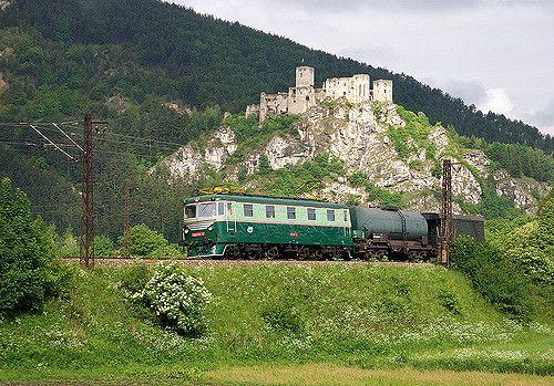 https://flic.kr/p/6XHXa2 | E669.001 - 180.001-0 Požiarny vlak | 30.05.2009 Strečno - final