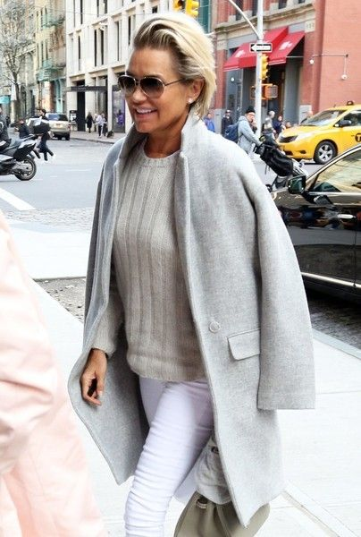 Yolanda Foster Photos Photos - Gigi Hadid and her mom Yolanda Foster are spotted out and about in New York City on April 11, 2016. - Gigi Hadid Steps Out in NYC With Her Mother Yolanda Foster