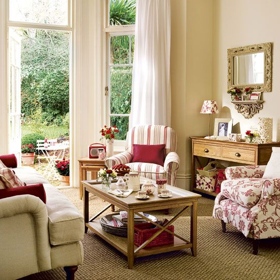 French Country Cottage Living Room: Best 25+ Floral Couch Ideas On Pinterest