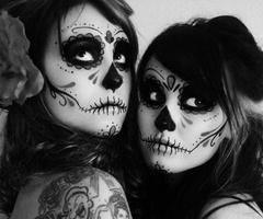 lovely dia de los muertos makeup!