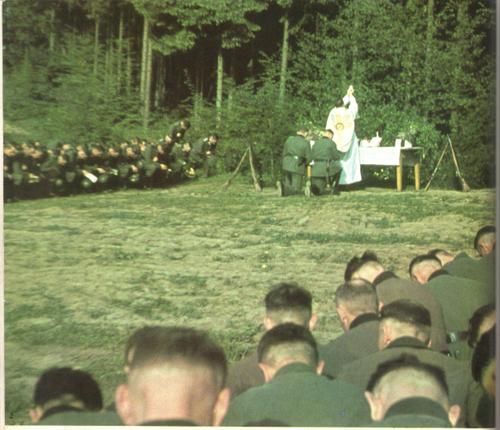 Sixth German army soldiers celebrating mass.
