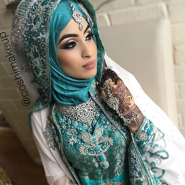 30 sublimes mariées portant le hijab le jour de leur noce - page 3                                                                                                                                                                                 Plus