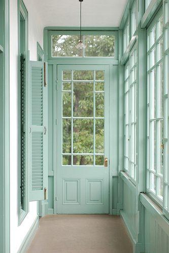 The doors  Decorando en color menta · Decorating with mint