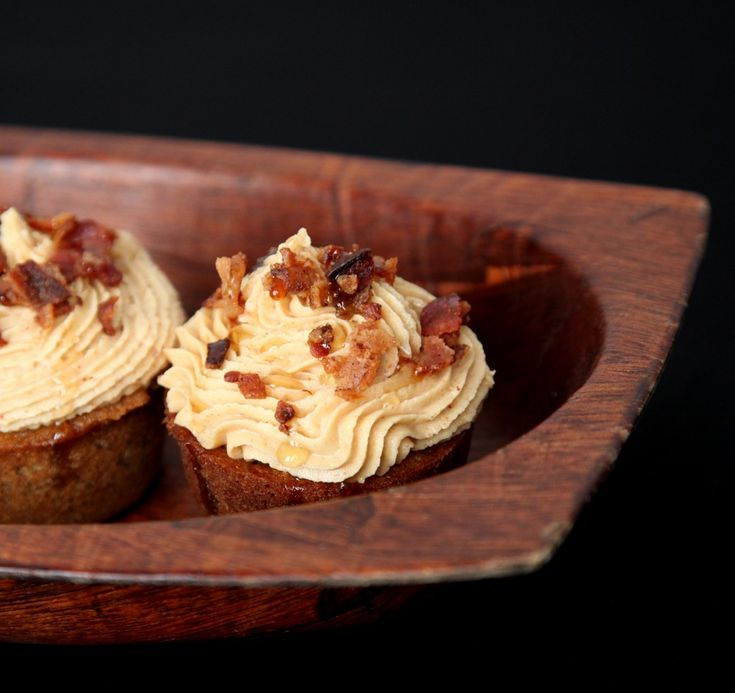 Banana Peanut Butter Cupcakes with Bacon | Cupcakes | Pinterest