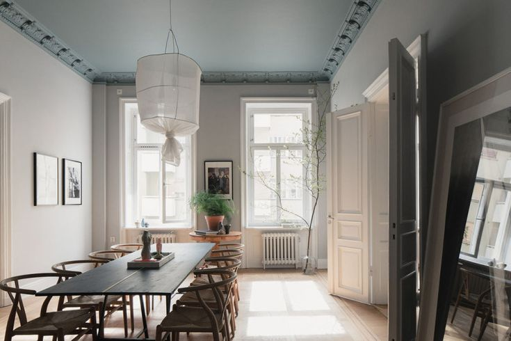 grey ceiling in the dining room, Wenger chairs, ceiling details