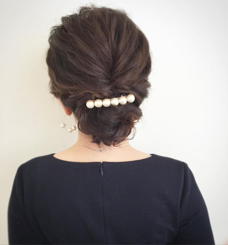 today's hair style☆  今日も沢山のお客様にご来店いただきました! ありがとうございました!  スジ感出したシンプルシニヨン☆ . #ヘアセット #セット #ヘアアレンジ #アップスタイル #ツイスト #編み込み #ねじねじ #ヘアアクセサリー #シンプル #もふもふ #タイト #結婚式 #ルーズ  #フェミニン #ブライダル #パーティー #二次会 #ファッション #メイク #ありがとう #京都 #京都駅前 #美容室 #t2style #love #starbucks #beauty #courarir #courarirkyotoekimae #kyoto