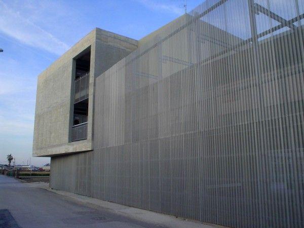 Escuela y Colegio de Educación Infantil y Primaria en Pinedo (Valencia) realizado por Luis Francisco Herrero García, Carlos Ferrandis Guillén.