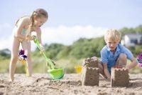 Parenting Tip 5: Keeping A Balance          It is beneficial for parents and children to devote their time to different types of activities, throughout the day or week, in order to lead a  balanced lifestyle.     Carole Disseldorp  www.easierparenting.com.au
