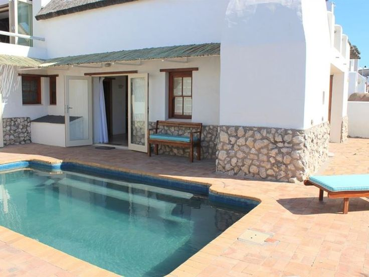 Bo-sig 2 - Bo-sig 2 is positioned in the charming village of Paternoster, along the picturesque Cape West Coast.  The apartment, which is ideal for a couple, has one bedroom with twin beds and one bathroom. There ... #weekendgetaways #paternoster #southafrica