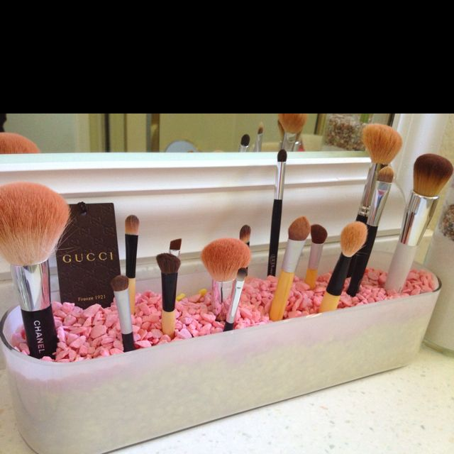 So great for a large bathroom vanity. (If only I had one!)  Make up brush holder - planter and colorful rocks