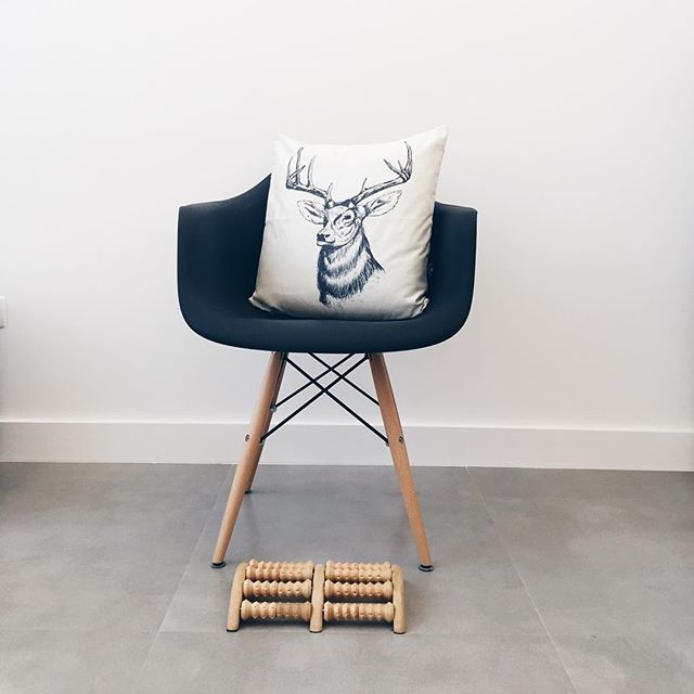 Porcelanato que imita cimento queimado Bauhaus Cement da Portobello 60 x 60 x 1 cm https://www.portobello.com.br/produtos/porcelanato-revestimento-ceramico/bauhaus/cement-60X60-nat