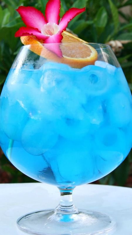 Blue ocean a classic tropical cocktail tropical for Orange and blue cocktails