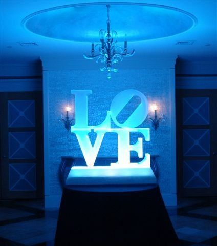 want this LOVE ice sculpture if i do a philly wedding!