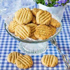 Farinsockret i degen ger kakorna en god smak.