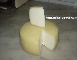 Formaggio fatto con latte pastorizzato