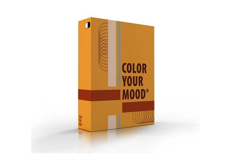 Geïnspireerd - Argumentatie geel en bruin zijn warme kleuren, bij inspiratie denk ik aan sterke maar getemperde kleuren. Ook was ik geïnspireerd door het denken aan koekjes omdat ze met dit kleurenpalet echt eerder op een koekendoos lijkt. Verder heb ik een kleine tint grijs gebruikt die symbool staat voor de grijze hersencellen ... (rest zie pdf)