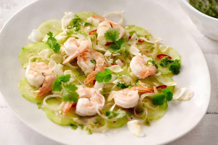 Thaise komkommersalade met garnalen, kokos en een spicy dressing - 15gram !