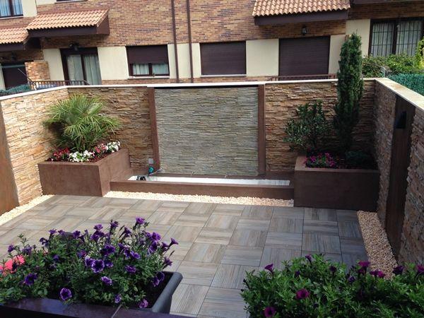 Fuente moderna de dise o fuentes pinterest - Fuente de pared para jardin ...