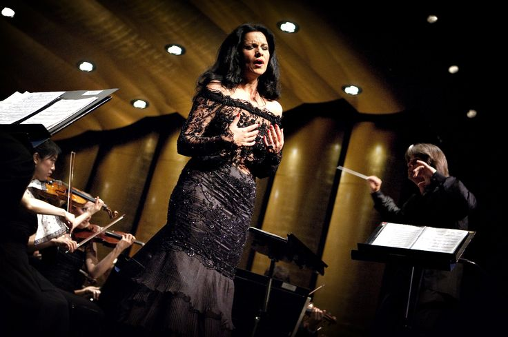 65 best images about angela gheorghiu on pinterest kiri te kanawa vienna state opera and for her - Canta casta diva ...