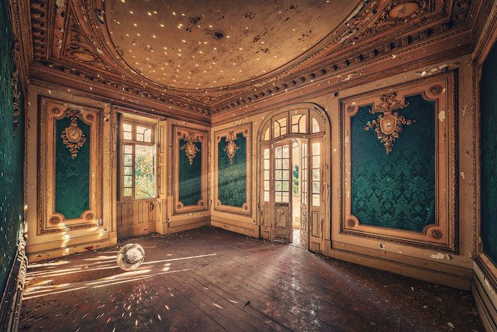 Fascinating Photos Highlight the Forgotten Beauty of Abandoned Buildings - My Modern Met