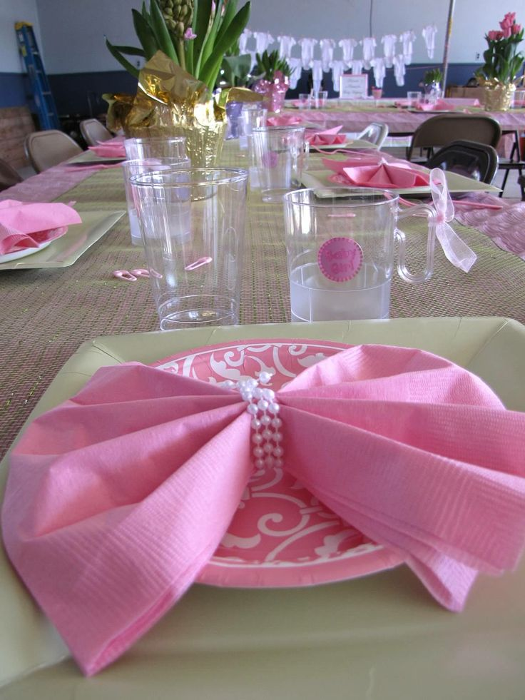 Baby shower table setting baby brunch for a girl for Table 6 brunch