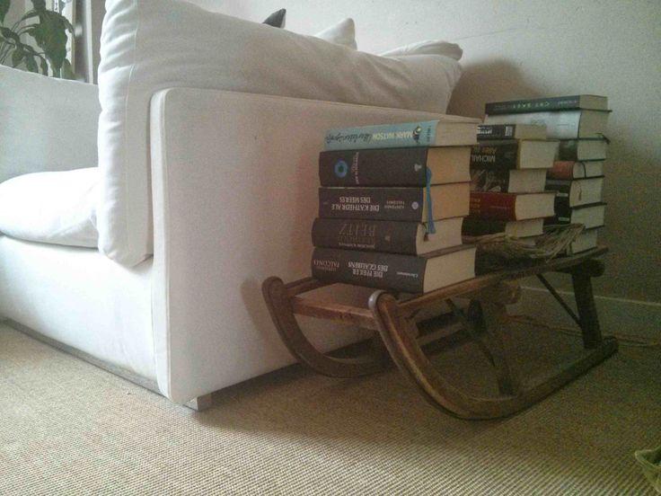 Ein Schlitten als Bücherregal » Aus einer lustigen Twitter Unterhaltung kamen wir auf das Thema Sc ...