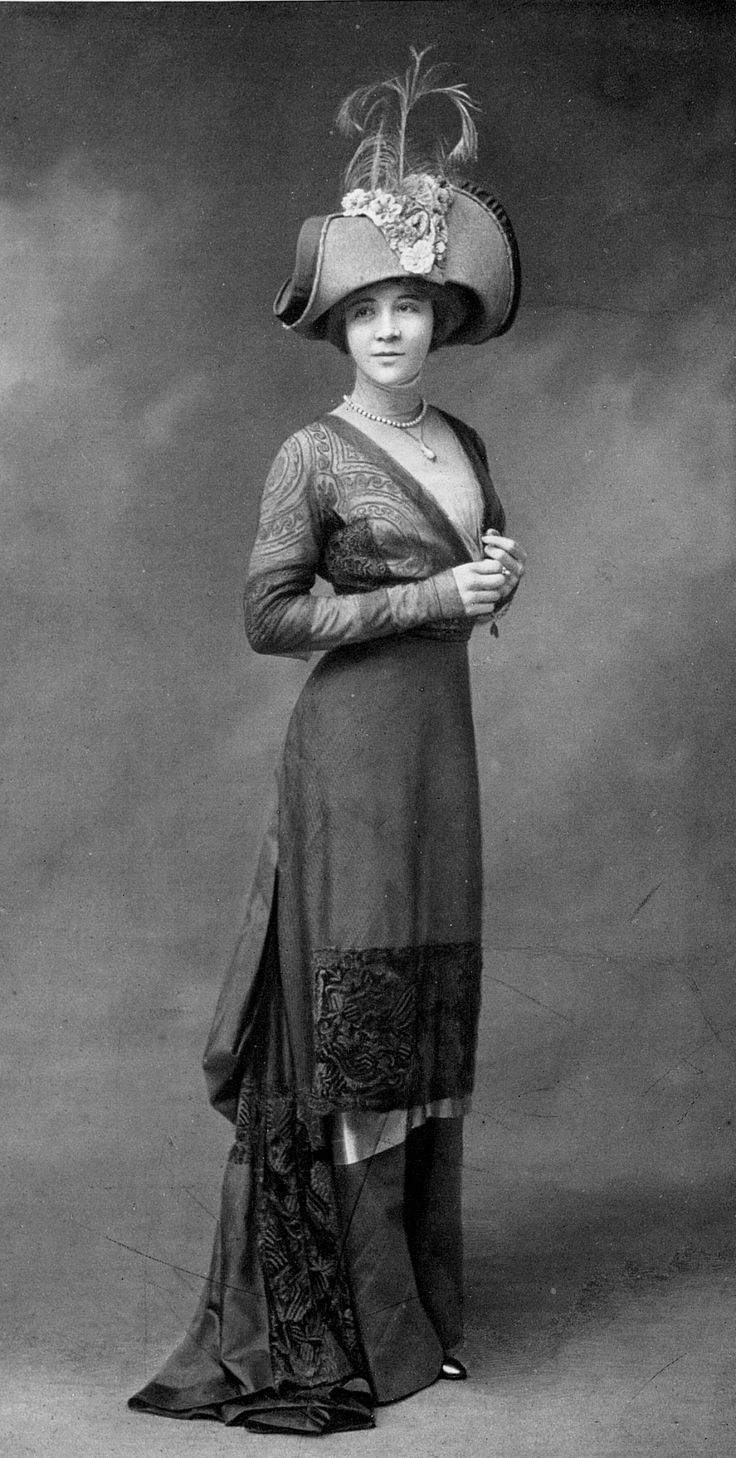 Fashion 1910 to 1920 - Juliette Clarens In An Afternoon Dress By Buzenet And A Hat By Alphonsine Les Modes