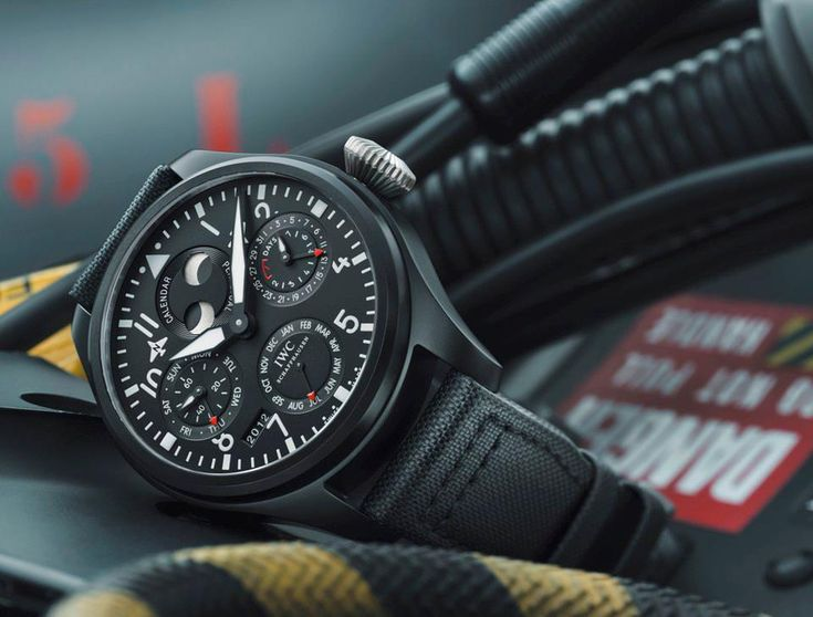 IWCBig Pilots, Watches Perpetual, Iwc Pilots, Tops Guns, Calendar Tops, Perpetual Calendar, Iwc Big, Pilots Watches, Men Watches