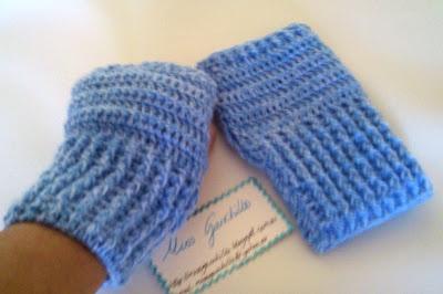 Guantes sin dedos. Hechos a ganchillo estos guantes sin dedos, muy cómodos para hacer cosas cuando hace mucho frío.