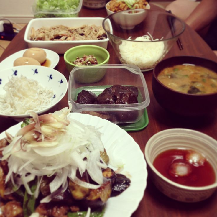 2013.8.6 豚と夏野菜の炒め物。干し椎茸の旨煮。煮卵。キノコの酒蒸し。オクラ梅。そうめん。大根ジャコ。ミョウガの味噌汁。