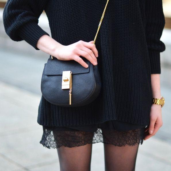 Rien de tel qu'un gros pull pour apaiser une tenue sexy ! (sac Chloé - blog Vogue Haus)