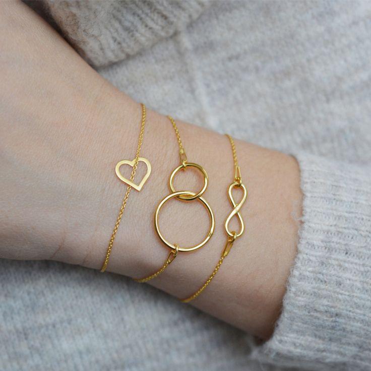 Złota bransoletka celebrytka z zawieszką dwa kółeczka karma  >>> https://laoni.pl/Zlota-bransoletka-celebrytka-z-zawieszka-dwa-koleczka-karma #karma #bransoletka #celebrytka #prezent #dlaniej