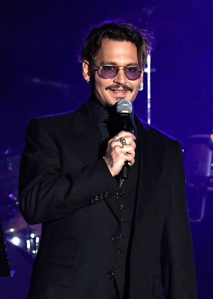 Johnny Depp Photos Photos - Johnny Depp accepts The Rhonda's Kiss Healing And Hope Award onstage during the 2016 Rhonda's Kiss Benefit at El Rey Theatre on November 3, 2016 in Los Angeles, California. - 2016 Rhonda's Kiss - Arrivals