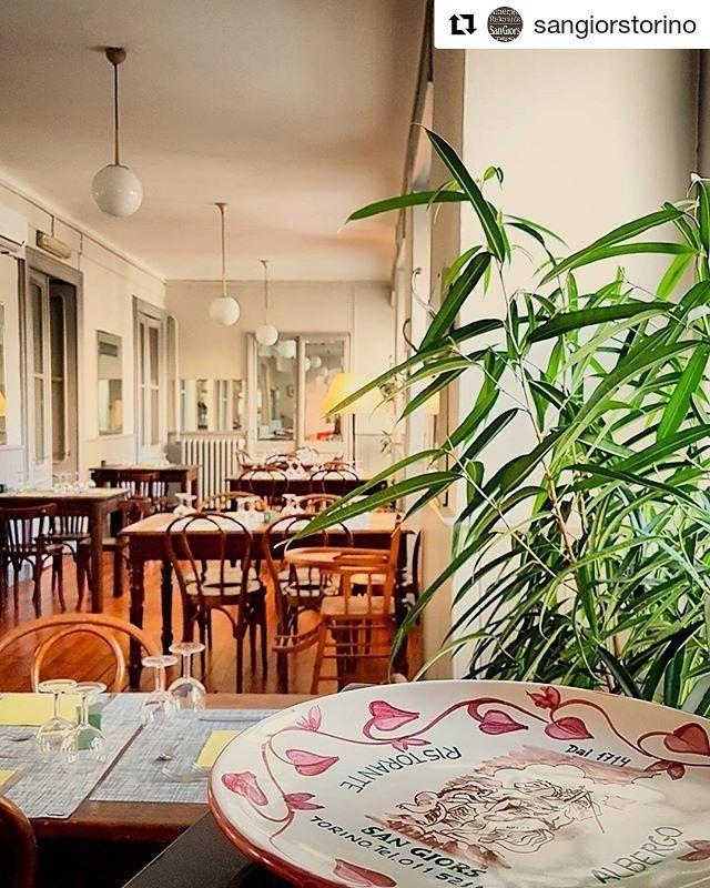 #Repost @sangiorstorino (@get_repost)  #Albergo #Ristorante #SanGiors dal #1714 a #Torino #cucina #tipica #piemontese  #Agosto in città? Vieni a mangiare al San Giors!  Siamo aperti dal martedì alla domenica a cena il sabato e la domenica anche a pranzo. Abbiamo anche un menù #speciale per il pranzo di #Ferragosto. L'importante è prenotare un tavolo chiamando il numero 0115216357.  Cosa si mangia? Ecco a voi il #menù per una spesa media di 20-25-30 euro:  ANTIPASTI Vitello tonnato Acciughe…