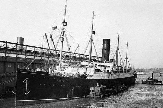 Le Carpathia dans le port de New-York