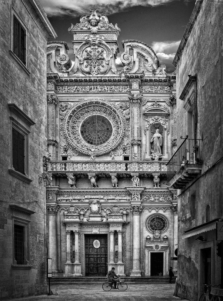 Basilica di Santa Croce , Lecce, Italy #blackandwhitephotography #santacroce #lecce #italy