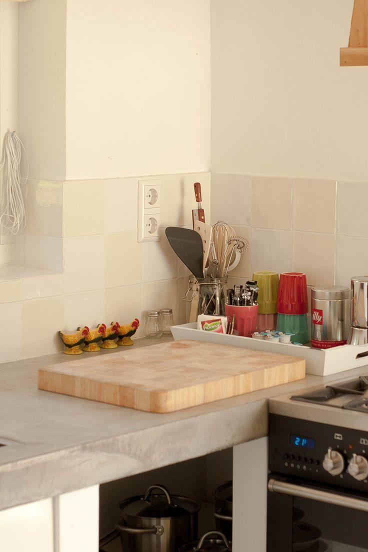 DE FRUITSCHUUR : voorzien van een eigen keuken, toilet en douche, een intieme slaapvide of slaapgelegenheid op de begane grond. In totaal 4 slaapplaatsen. Vanzelfsprekend verzorgen wij een heerlijk B&B ontbijt, waarbij wij gebruik maken van (regionale) biologische producten   Velden, Limburg