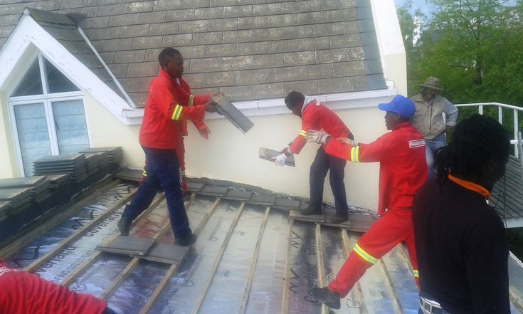 Team work , getting the #tile #roof replacement done