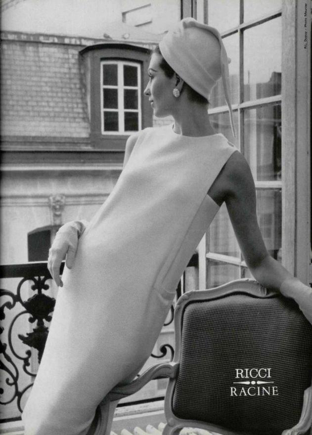 1966  Nina Ricci - very elegant chemise dress. Such a beautiful dress.