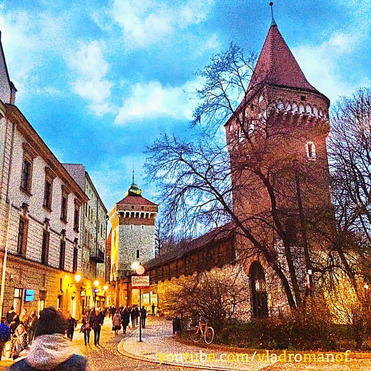 ♥ вечерний Краков, Польша, ноябрь 2015       evening in Krakow, Poland, in November 2015 ⚓️⚓️⚓️✈️       #life #street #city #art #21 #krakow #traveling #live #hdr #travel #igers #travelling #its #trip #и #iphone #travels #traveler #с #traveller #travelbug #instagram #vsco #vocation #travelers #instagood #poland #hot #go