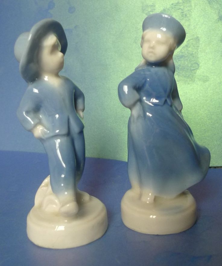 Vintage Latvia Lettland Porcelain Blue & White Figurine Boy Girl Dancing Couple
